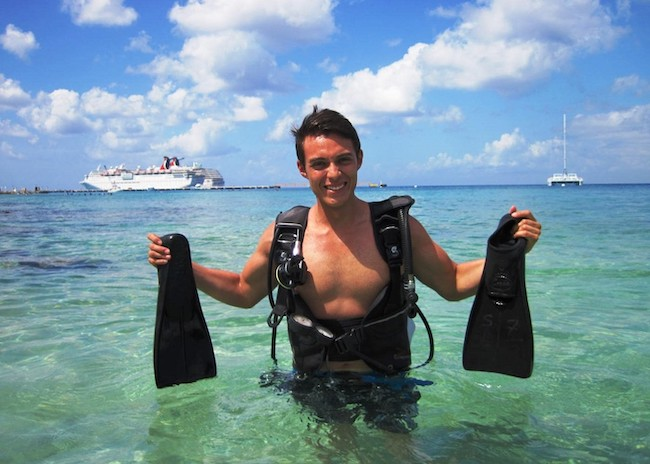 Richard very excited to live the scuba dive experience in Cozumel.